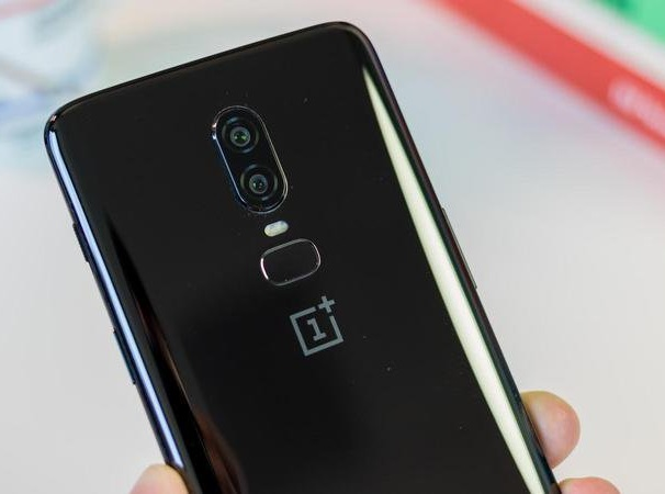 OnePlus_6T_official20.jpg